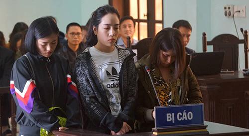 Ba bị cáo tại phiên xử sơ thẩm. Ảnh: Lam Sơn.