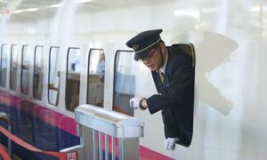 Nỗi ám ảnh về đúng giờ của người Nhật