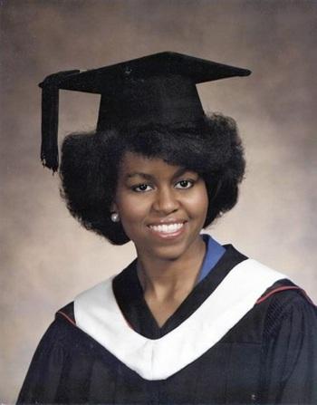 Ảnh tốt nghiệp Đại học Princeton của Michelle Obama. Ảnh:Pinterest