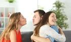Hai cô gái từ thân thiết thành thù hận vì cùng yêu một nam sinh