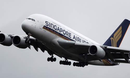 Một máy bay của hãng Singapore Airlines. Ảnh: Reuters.