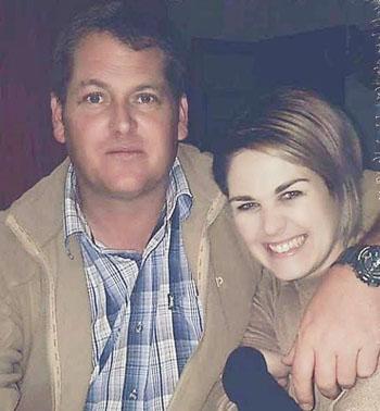 Viljoen và người vợNatasha. Ảnh: Facebook.