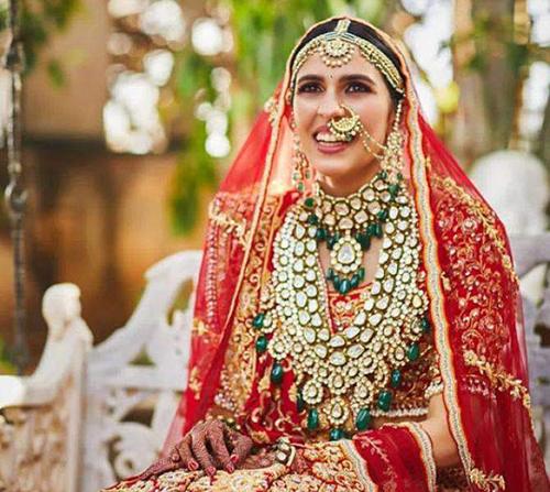 Shloka Mehta trong ngày cưới. Ảnh: Instagram