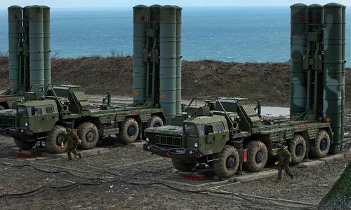 Xe phóng đạn của tổ hợp S-400 Nga tại bán đảo Crimea năm 2018. Ảnh: Sputnik.