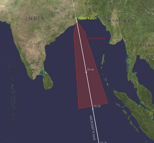 Đường bay của mục tiêu và vùng mảnh vỡ (màu đỏ) sau vụ đánh chặn. Đồ họa: Hindustan Times.