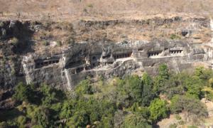 Hang động Phật giáo lớn nhất thế giới ở Ấn Độ