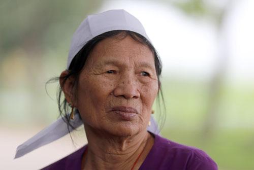 Bà Nguyễn Thị Thiết, 73 tuổi thôn Trung Nguyên (Trung Nguyên, Yên Lạc, Vĩnh Phúc). Ành: Tất Định