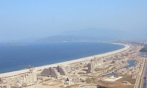 Khu nghỉ dưỡng ven biển Wonsan-Kalma của Triều Tiên đang trong quá trình xây dựng. Ảnh: KCNA.