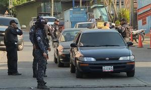 An ninh Venezuela tuần tra ngăn bạo động vì thiếu điện, nước