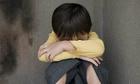 Tôi bất lá»±c khi con trai bá» gã Äà n ông xâm hại tình dục á» bến xe buýt