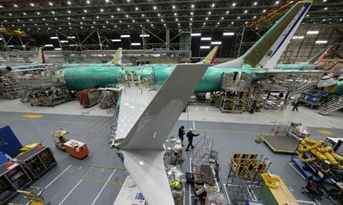 Máy bay 737 MAX được sản xuất trong nhà máy Boeing ở bang Washington ngày 27/3. Ảnh:AFP.