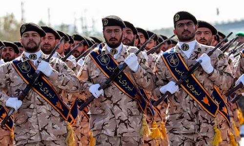 Binh sĩ IRGC duyệt binh tại thủ đô Tehran của Iran hồi tháng 9/2018. Ảnh: Reuters.