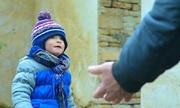 Người mẹ Mỹ bán con trai 7 tuổi cho chủ nợ