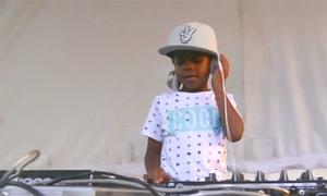 Cậu bé Nam Phi 6 tuổi trở thành DJ trẻ nhất thế giới