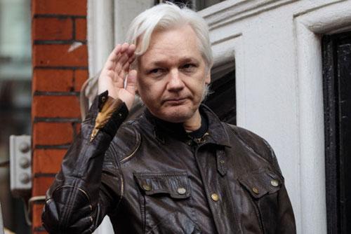 người sáng lập WikiLeaks Julian Assange