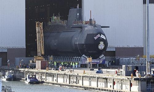 Một tàu ngầm lớp Astute đang được đóng tại Devonshire Dock Hall. Ảnh: AP.