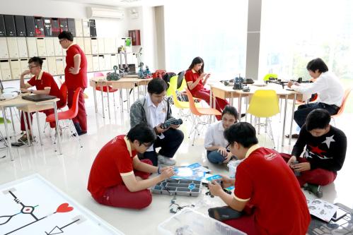 Đại học Quốc tế Sài Gòn trao 23,5 tỷ đồng học bổng năm 2019 - 1