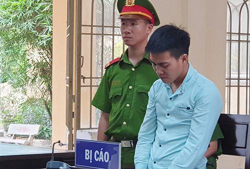 Bị cáo Trần Văn Quang tại tòa. Ảnh: Đắc Thành.