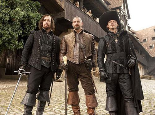Ba chàng lính ngự lâm phiên bản 2011 (từ trái sang) - Athos, Porthos và Aramis. Ảnh: Sony.