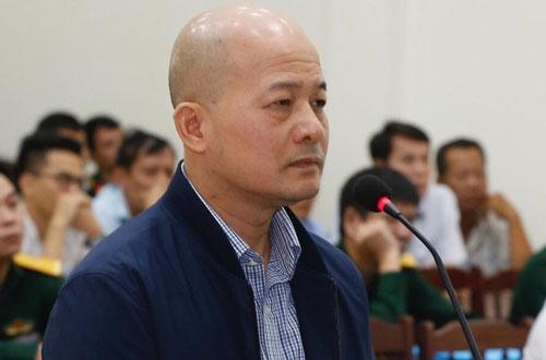 Bị cáo Đinh Ngọc Hệ (Út Trọc)cựu thượng tá, nguyên phó tổng giám đốc Tổng công ty Thái Sơn Bộ Quốc phòngtại phiên tòa phúc thẩm mở ngày 30-31/10. Ảnh: TTXVN