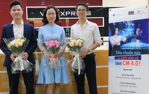 Các khách mời có mặt tại tòa soạn VnExpress để trả lời câu hỏi của độc giả.
