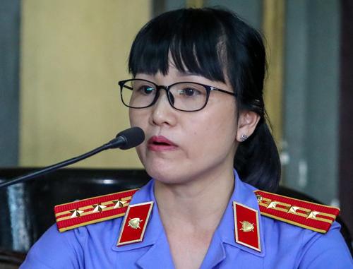 Đại diện VKS giữ quyền công tố tại tòa. Ảnh: Thành Nguyễn.