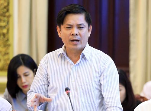 Bộ trưởng Giao thông Vận tải Nguyễn Văn Thể phát biểu tại buổi làm việc. Ảnh: Hữu Công