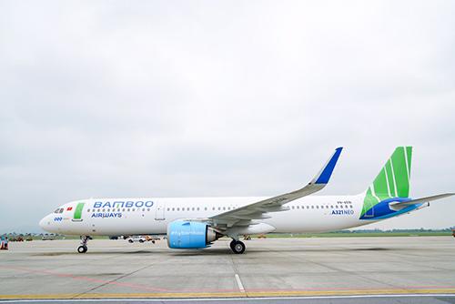 Airbus A321NEO đáp xuống Sân bay quốc tế Nội Bài sáng nay.
