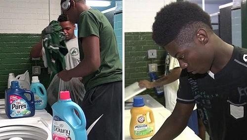 Học sinh giặt đồ miễn phí ngay tại trường. Ảnh: CBS News