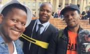 Chàng trai Nam Phi được nhiều người lạ tặng trang phục dự lễ tốt nghiệp