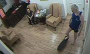 Ông chủ WikiLeaks bị lộ video trượt ván trong sứ quán Ecuador