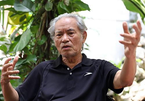 KTS Hồ Duy Diệm nêu quan điểm Đà Nẵng nên dừng dự án ở cửa sông khi đang điều chỉnh lại Quy hoạch chung thành phố. Ảnh: Nguyễn Đông.