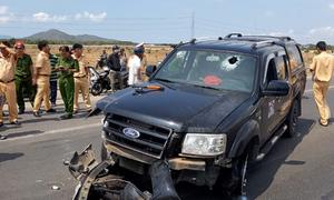 CSGT bị ép xe ngã tử vong khi truy đuổi tài xế chém nhiều người