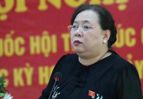 Chủ tịch HĐND TP Hà Nội Nguyễn Thị Bích Ngọc tại buổi tiếp xúc cử tri quận Hà Đông. Ảnh: Võ Hải.