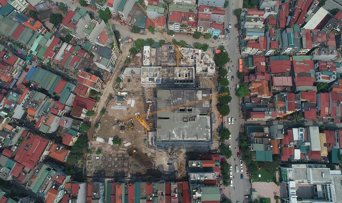 Nhiều nhà dân lún nứt cạnh công trình cao tầng ở Hà Nội
