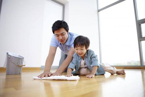 Hoạt động dọn dẹp và các quy tắc sau giờ vui chơi giúp trẻ rèn luyện kỹ năng sống từ bé.