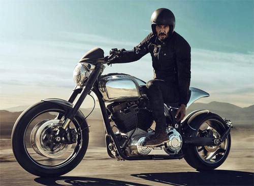 Keanu Reeves và chiếc Arch KRGT-1.