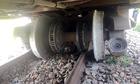 Đường sắt Bắc Nam tê liệt nhiều giờ vì tàu trật bánh