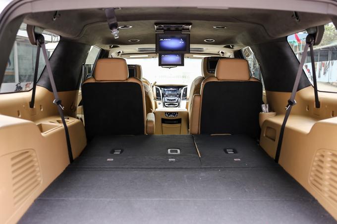 'Khủng long' Cadillac Escalade ESV 2019 giá hơn 10 tỷ tại Việt Nam