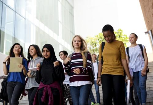 Du học Hè tạo cơ hội cho học sinh bồi đắp kiến thức ở nhiều lĩnh vực và tiếp thu văn hóa cùng những trải nghiệm mang tính quốc tế.