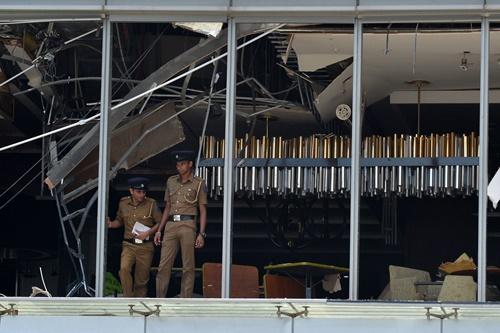 Nhà hàng tại khách sạn Shangri-La ở Comlombo bị thiệt hại sau vụ đánh bom. Ảnh: AFP.