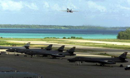 Oanh tạc cơ B-1 xuất phát từ đảo Diego Garcia. Ảnh: USAF.