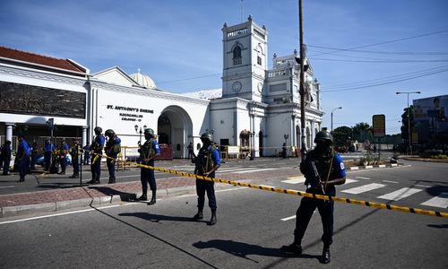 Lực lượng an ninh Sri Lanka phong tỏa một nhà thờ sau vụ tấn công hôm 21/4. Ảnh: AFP.