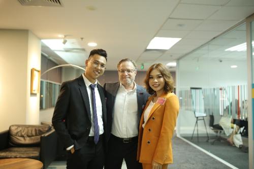 Chị Huỳnh Hoa Tường Vy cho rằng MBA giúp chị phát triển tư duy chiến lược và góc nhìn đa chiều về mọi vấn đề