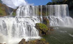 Thác nước bí ẩn lần đầu được phát hiện tại Lào