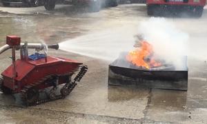 Robot cứu hỏa điều khiển từ xa của hai nam sinh Quảng Ngãi