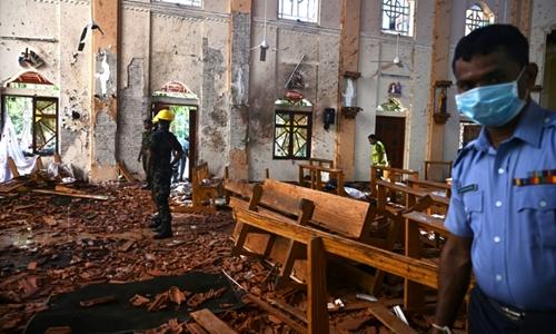 Hiện trường vụ đánh bom nhà thờ Sebastian tại Negombo ngày 21/4. Ảnh: AFP.