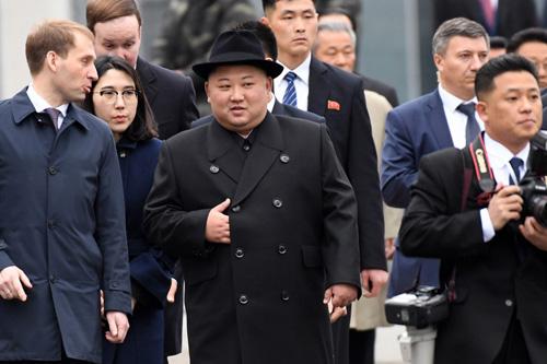 Lãnh đạo Triều Tiên Kim Jong-un tại nhà ga thành phố Vladivostok của Nga hôm nay. Ảnh: AFP.