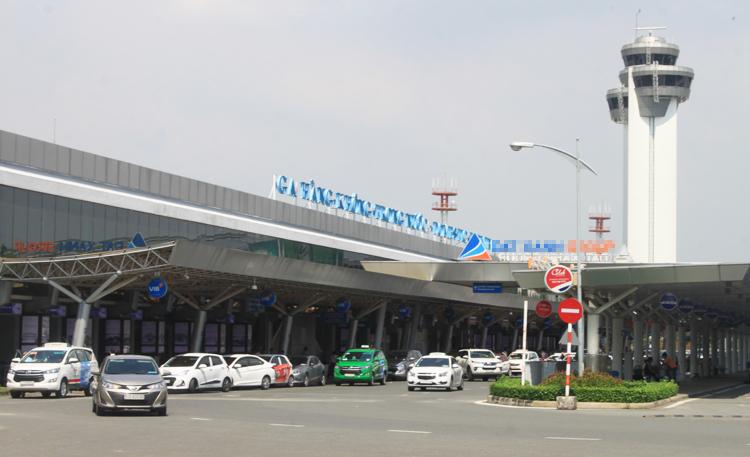 Sân bay Tân Sơn Nhất đang đón gần 40 triệu hành khách mỗi năm. Ảnh: Đoàn Loan.