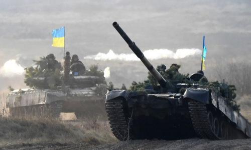 Xe tăng Ukraine trong một cuộc diễn tập cuối năm 2018. Ảnh: AFP.